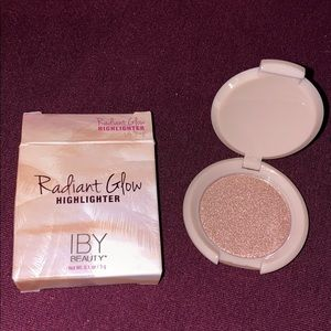 Radiant Glow Highlighter
